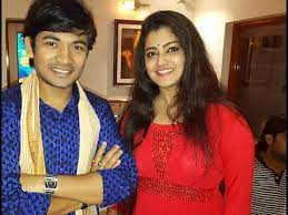 Soumya Chakrabortty with his wife