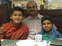 Divyansh Dwivedi with his father & brother