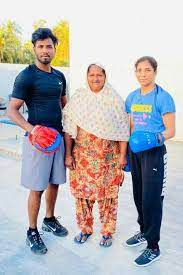 Simranjit Kaur with her mother & brother