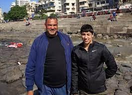 anshu malik with her father