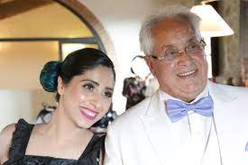 Neha Bhasin with her father