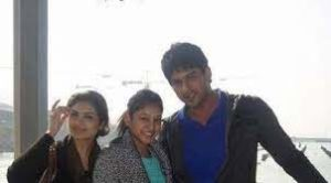 Sidharth Shukla with his sisters