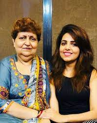 Sugandha Mishra with her mother