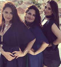 Mandy Takhar with her sisters