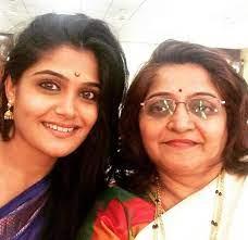 Isha Keskar with her mother