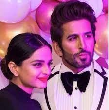 Vishal Kotian with his girlfriend